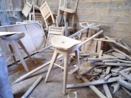 chaise perdue au milieu de l'atelier
